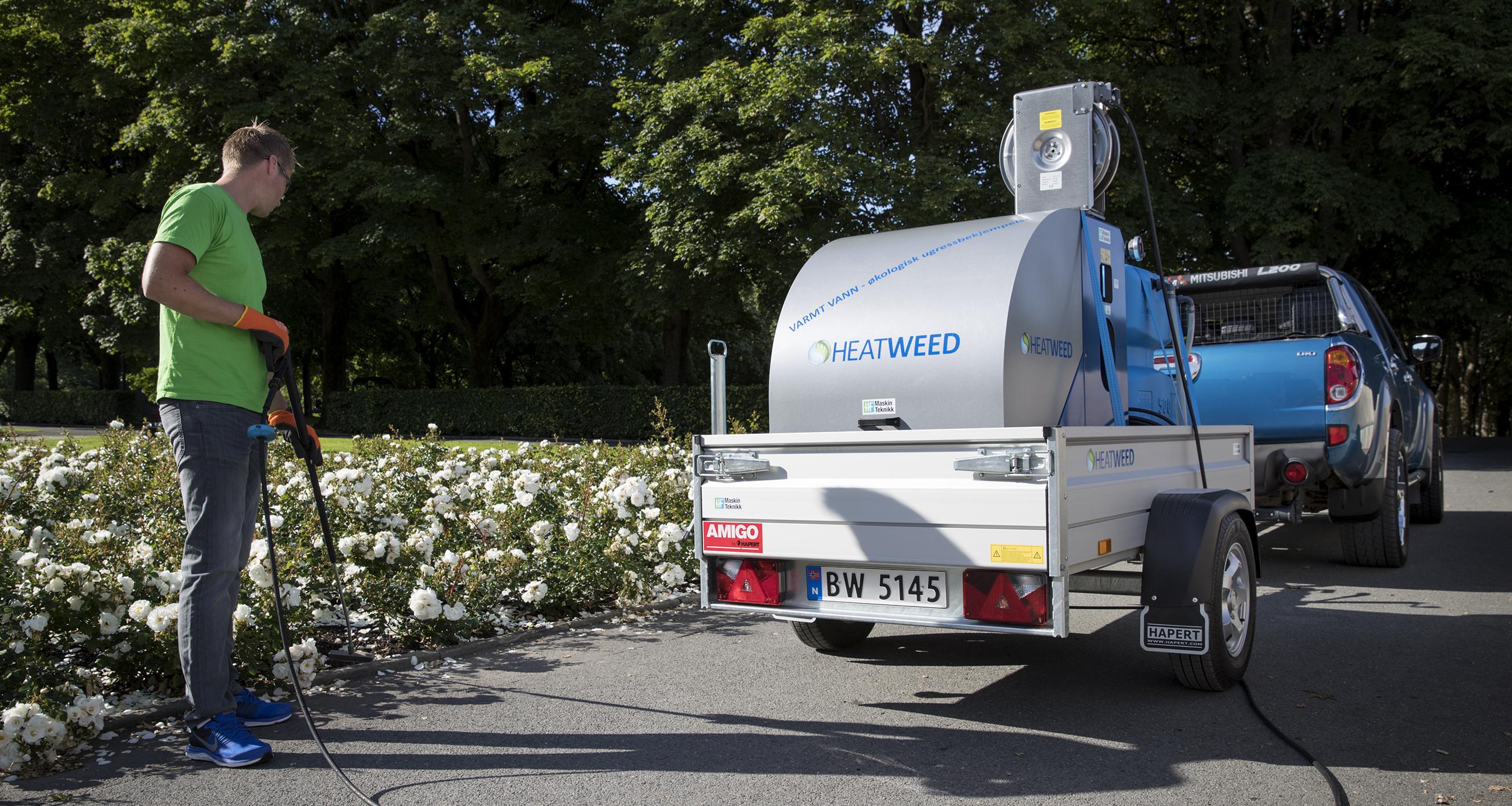Významná prezentácia spoločnosti KONNEX  s.r.o. so strojom HEATWEED na Bratislavskom hrade.