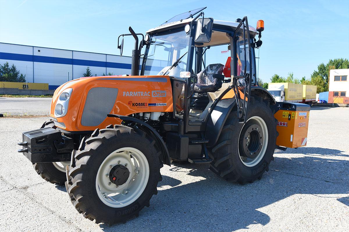 Traktor Farmtrac DT 675196