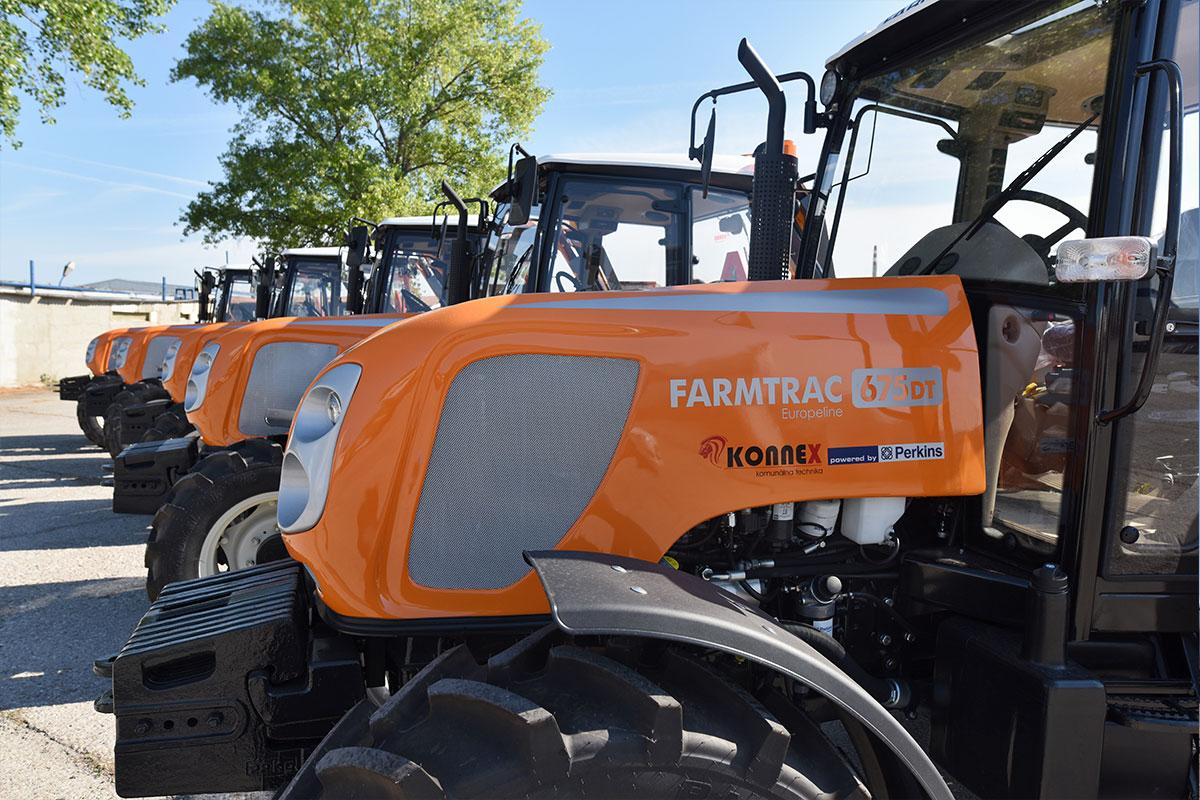 Traktor Farmtrac DT 675199